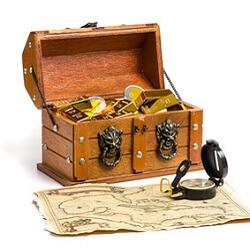Schatztruhe mit Goldmünzen und Schatzkarte