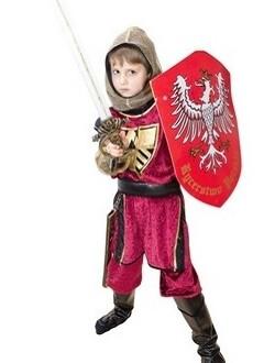 Kind im Ritter-Kostüm