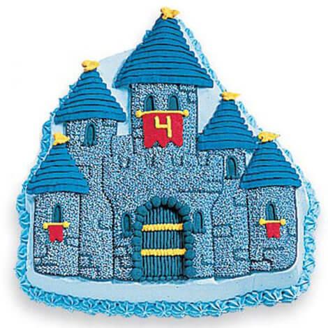 Geburtstagskuchen in Form einer Ritterburg