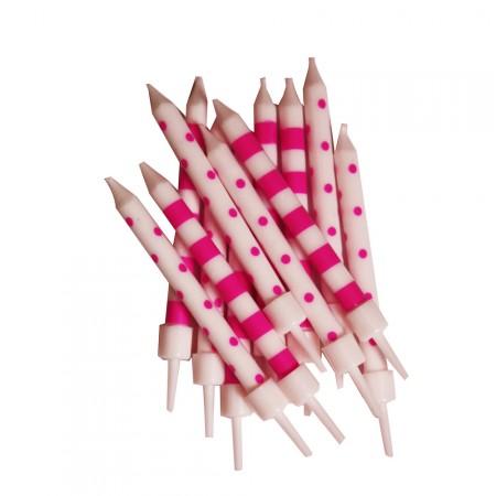 Geburtstagskerzen mit rosafarbenen Punkten und Streifen