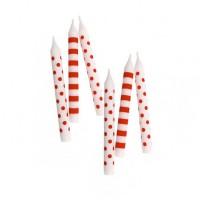 Geburtstagskerzen mit roten Punkten und Streifen