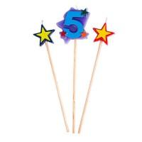 Kerzen in Sternform mit einer Fünf