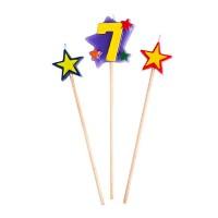 Kerzen in Sternform mit einer Sieben