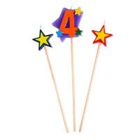 Kerzen in Sternform mit einer Vier