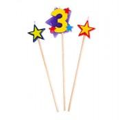 Kerzen in Sternform mit einer Drei
